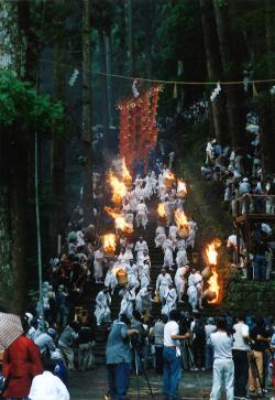 火祭りの大松明