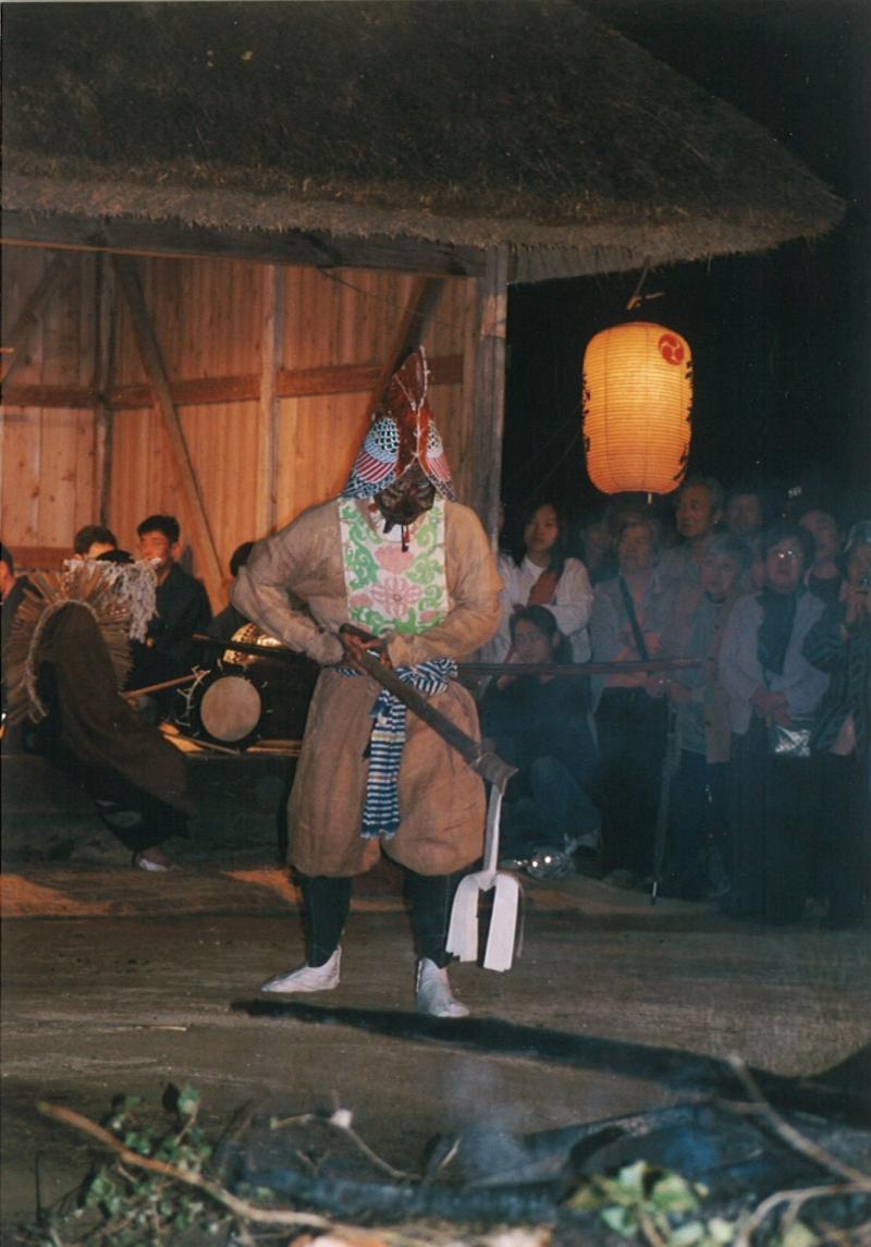第三段落:太刀の舞(PC131696のタテの写真)