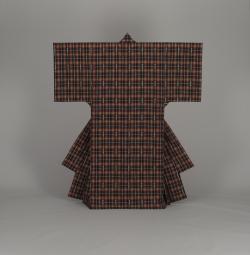 絹紺地三玉手縞沖縄衣裳(全体)